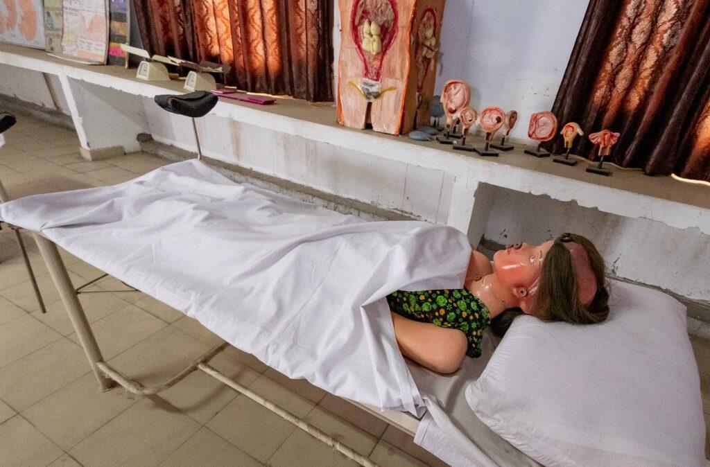 04 images - nursing below banner (3)
